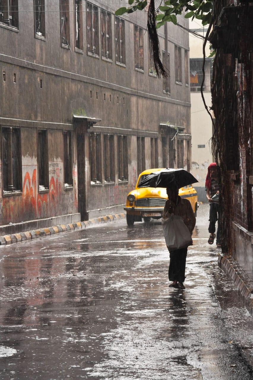 Streetfotografie: Through the Monsoon